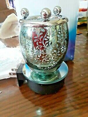 Fragrance Lamp / night light silver with black leaves oil burner