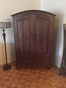 Armoire style Antique