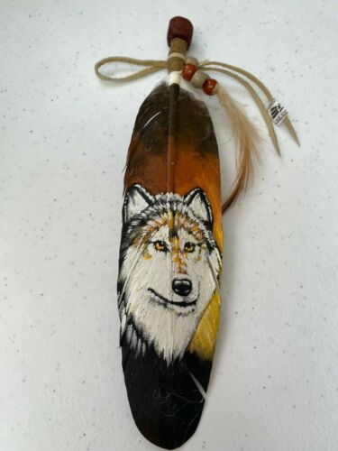 NEW HAND PAINTED FEATHER , ARTS & CRAFTS ,SOUTHWEST ART , NEW , WOLF FACE