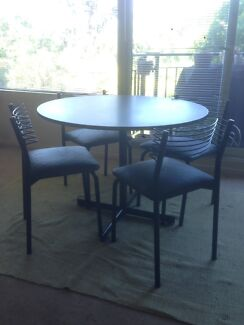 Dinning table in good condition.