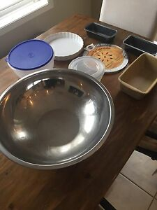 BAKING Lot- Pampered Chef, Tupperware, some NEW items