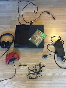 500gb XBOX One , lots of extras