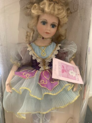 COLLECTIBLE MEMORIES HAND CRAFTED PORCELAIN DOLL 17 To 20 NEW IN BOX  - $49.99
