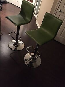 2 BEAUTIFUL GREEN BAR STOOLS WITH SILVER BASE!