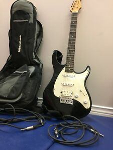 Peavey raptor exp electric guitar w/t bag and 2 patch cords