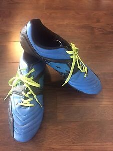 Lotto Soccer shoes/cleats - Size 11.5 New