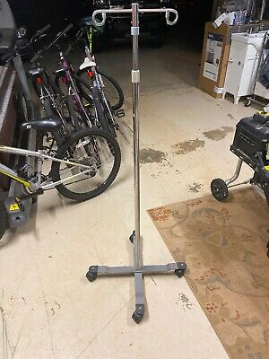 Iv Pole 2 Hooks 4 Casters