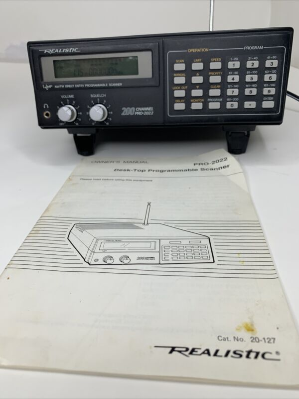 Realistic Pro-2022 Radio Scanner Receiver UHF VHF AM-FM 200 Channel Antenna Work