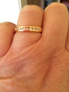 STUNNING SOLID 18 CARAT YELLOW GOLD and DIAMOND RING WITH VALUATION Greenwith Tea Tree Gully Area Preview