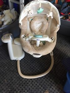 Graco Musical baby swing with phone connection