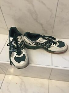 Ladies asic gel volleyball sneakers size 10