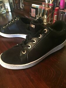 ALDO SNEAKERS SIZE 8 GREAT CONDITION