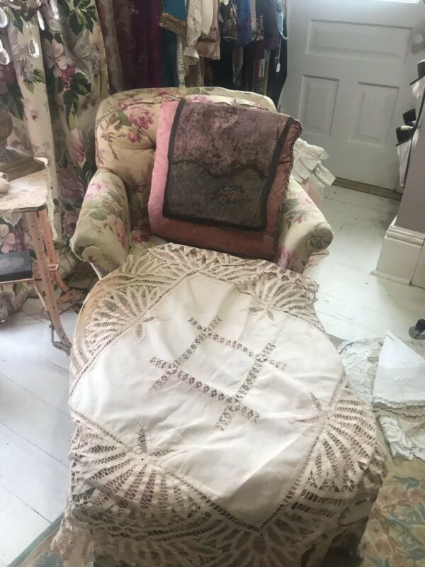 Round Ornate Tape Lace Battenberg Drawn~work Center Ornate Round Tablecloth Ecru