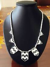 Womens statement necklaces x4 multi deal! Bargain! Airport West Moonee Valley Preview