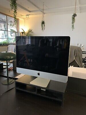 Apple iMac 21.5 inch All-in-One Desktop. 12gb Ram. 1tb i5 (May, 2011)