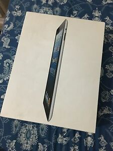 IPAD 4 *NO SCRATCHES* USED 16GB