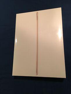 iPad Pro 9.7 32gb Wifi Gold ** Brand New Sealed Box**