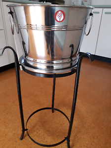 Drinks/Ice bucket on stand Aranda Belconnen Area Preview