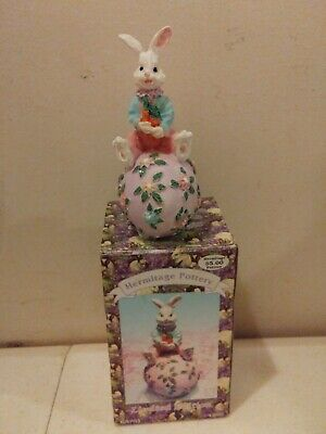 VTG 1995 Resin Easter Bunny Egg Figurine Hermitage Pottery Loomco International