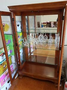 Display Cabinet/ Glassware Cabinet