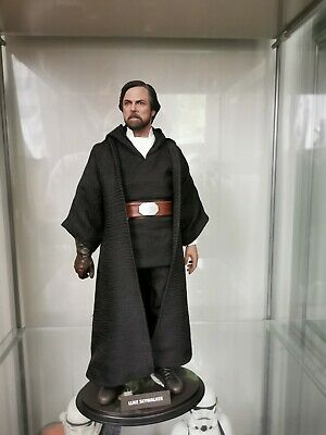 Hot Toys MMS 507 Luke Skywalker (Crait)