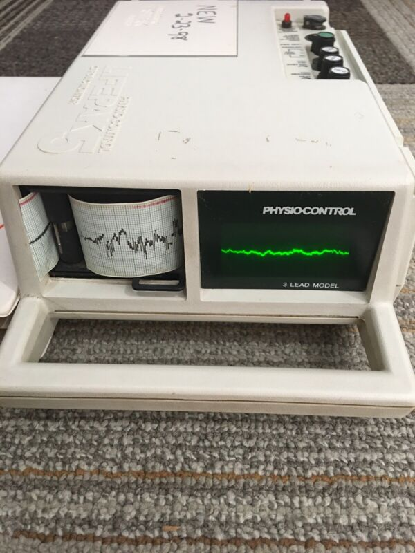Physio Control Lifepak 5 3 Lead Model  With Manual And 8 Rolls Paper.Sold As It.