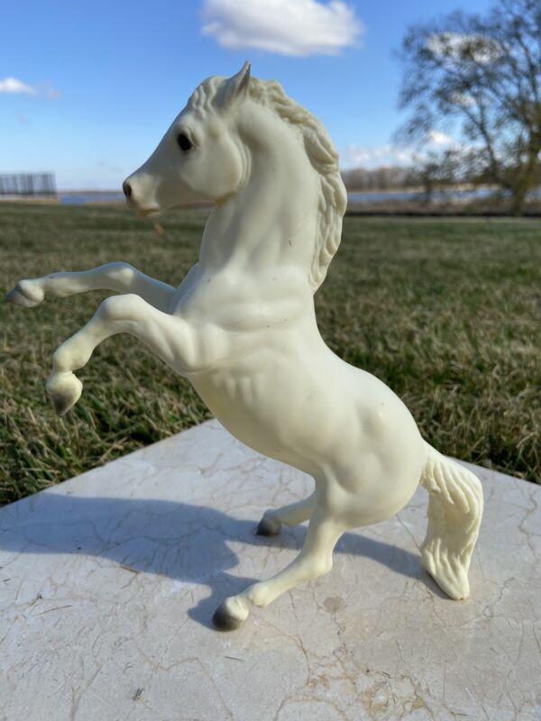 """Breyer Lipizzan Stallion 1975 Alabaster 7 1/2""""H X 7"""""""