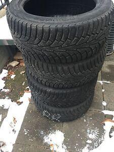 Pneus hiver Nokian  255/45R18. Great quality