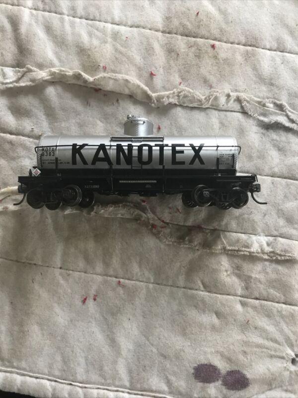 HO Scale Proto 2000 KOTX Kanotex 8,000 Gallon Single Dome Tank Car #8333