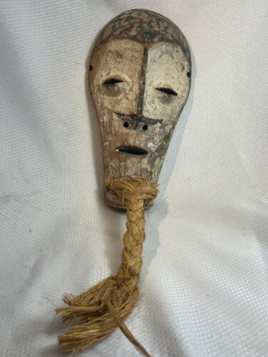 Vtg Hand Carved Wood African Tribal Wall Hanging Straw Braided Beard Mask