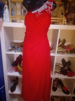 PLUS SIZE RED GOWN