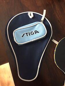 Raquette de ping pong / tennis de table