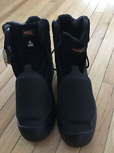 STC Work Safety Boots NEW Size 10.5 Peterborough Peterborough Area image 1