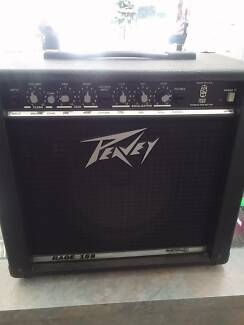 PEAVEY RAGE 158 GUITAR AMP 15W IN EXCELLENT CONDITION