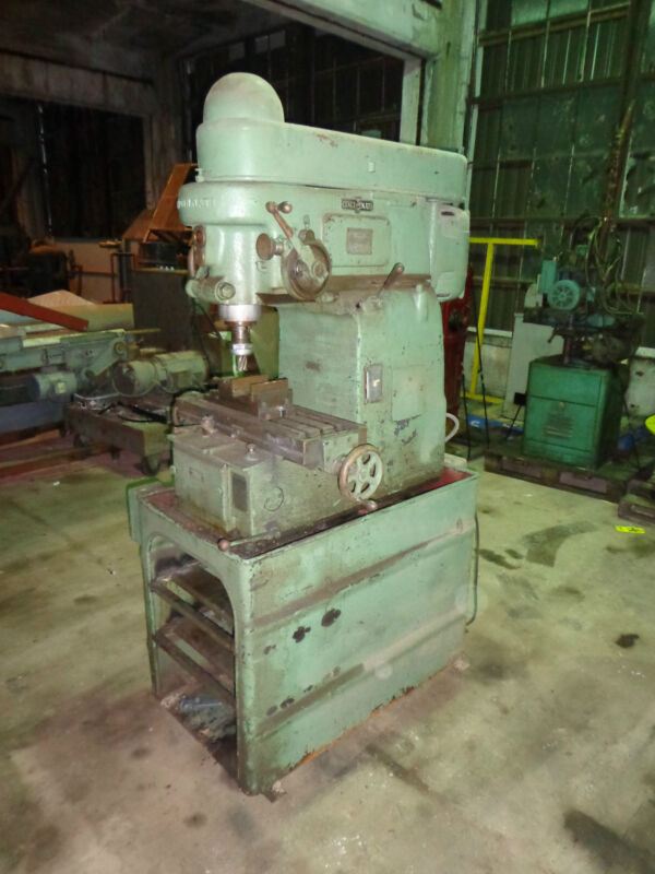 Cincinnati Vertical Mill With Phase Converter Model 1400