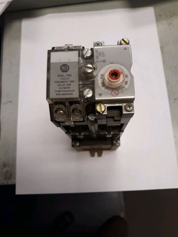 Allen-Bradley Timing Relay 120volts 700-PT400A1