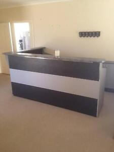 Home bar 2 pieces Macquarie Links Campbelltown Area Preview