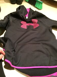 Girls under armour outfit great condition