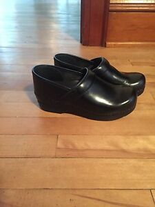 Dansco nurse shoes size 38