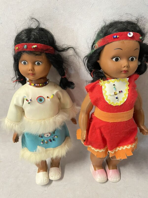 Lot of 2 vintage Native American dolls with beaded outfits