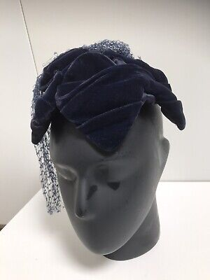 Vintage Women's Edward Mann London star shape Navy velvet hat head piece.
