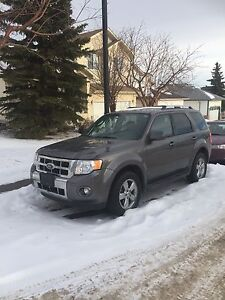 2009 Ford Escape LIMITED 4WD only 73900km