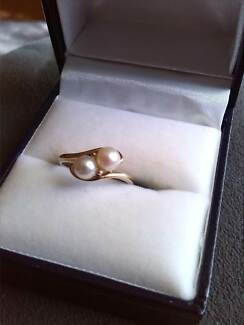 2 Natural Pearls On 9K Gold Ring Raymond Terrace Port Stephens Area Preview
