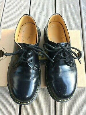 Dr Martens classic 3 eye black  smooth leather shoes size 37, UK 4