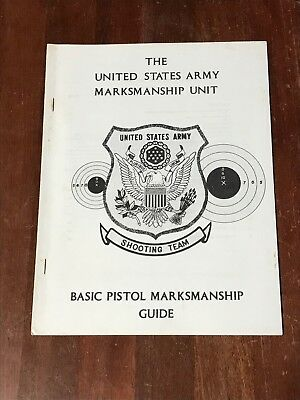 (The United States Army Marksmanship Unit Basic Pistol Guide Shooting Team)