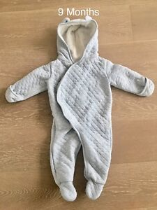 Carters Bunting Suit (9 Months)- Excellent Condition!