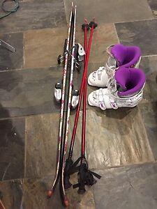As new  Girls Ski Boots & Skis  Belleville Belleville Area image 9