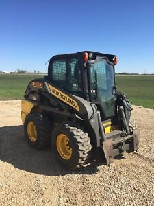 2011 New Holland skid steer. Only 900hours!