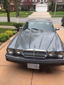 1988 Jaguar Vanden Plas V12