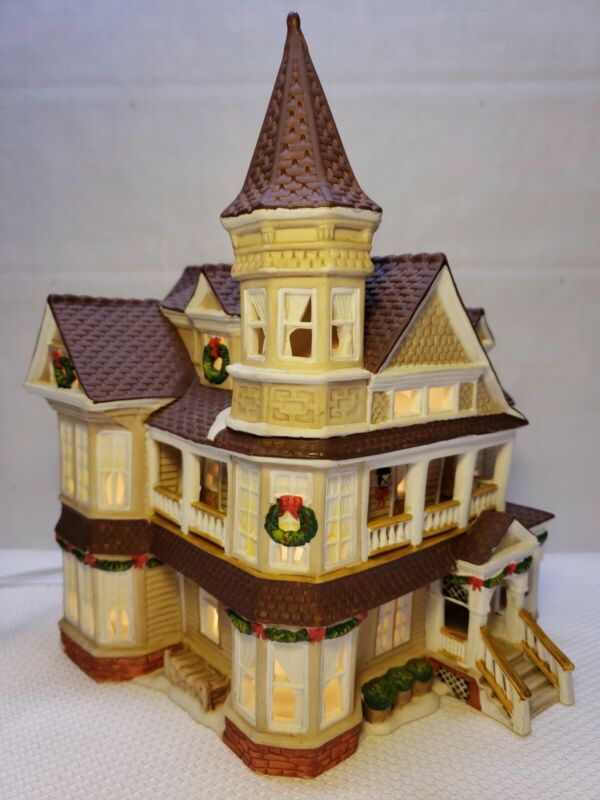 """RETRO 2000S LEMAX """"3 STORY HOME"""" PORCELAIN LIGHTED HOUSE"""